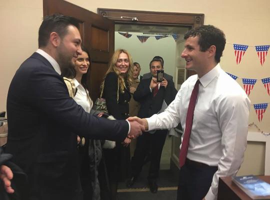 Shqiptari që është i afërt me stafin e Donald Trump (Foto)