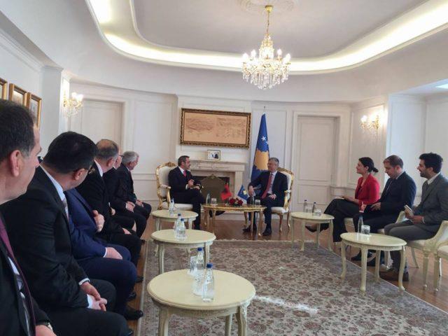 Tahiri në Kosovë, takon presidentin Thaçi