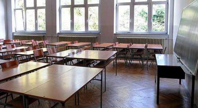 Ndodh vetem ne Maqedoni – Bie numri i nxënësve, rritet numri i profesorëve në arsimin e mesëm