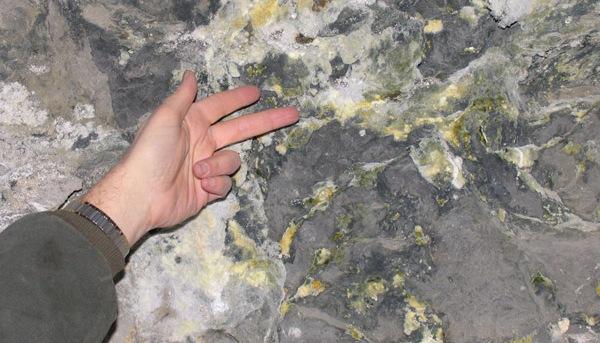 CIA zbulon se në afërsi të Manastirit ka një depozitë të madhe të uraniumit