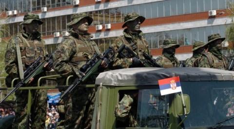 Blici serb: Serbia po armatoset sikur nesër do të fillojë lufta (Foto)