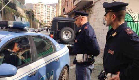 Nëna shqiptare godet me thikë djalin, i jep fund jetës, hidhet nga ballkoni