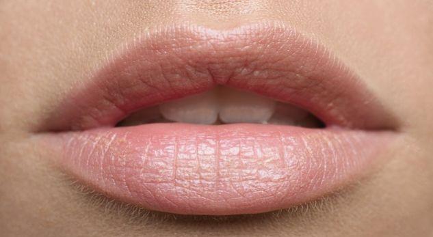 Ngjyrat e buzëve tregojnë gjendjen e shëndetit tuaj