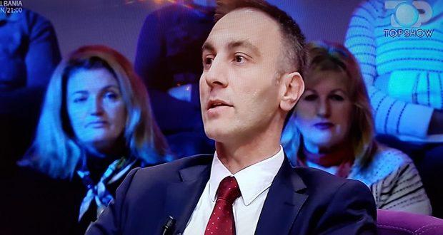 """Skandaloze: Grubi ma """"patriot"""" se Gruevski e Ivanovi – Maqedonia pëson nga ndikimet ndërkombëtare"""