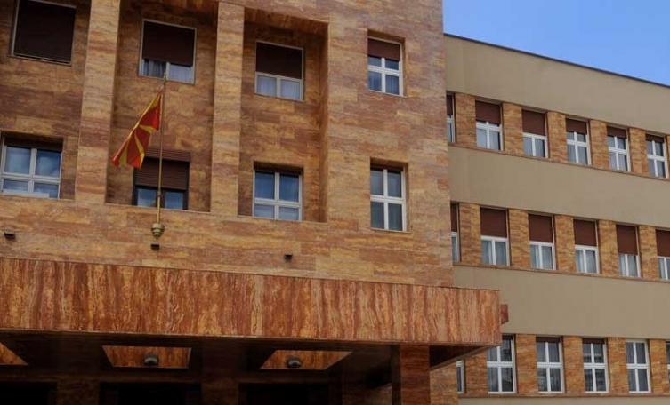 Pauzë pas pauze, Veljanoski mbledh në takim përfaqësuesit e partive politike