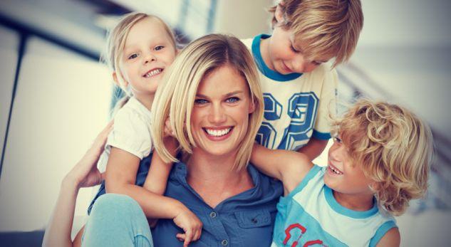 Fëmijët e trashëgojnë inteligjencën nga nëna, jo nga babai