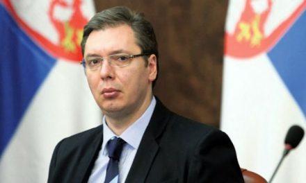 Vuçiq: Politikanët shqiptarë po tentojnë t'i blejnë 4 deputetët serbë