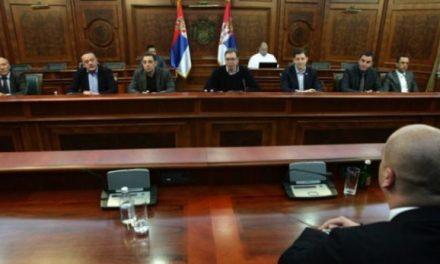 Liderët serbë injorojnë Jabllanoviqin, përkrahin Listën Serbe për zgjedhjet në Kosovë
