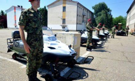 Kina i dhuron pajisje luftarake ushtrisë serbe (Foto)