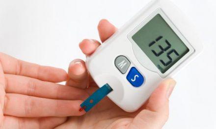 Shërojeni diabetin me lëng të qepës