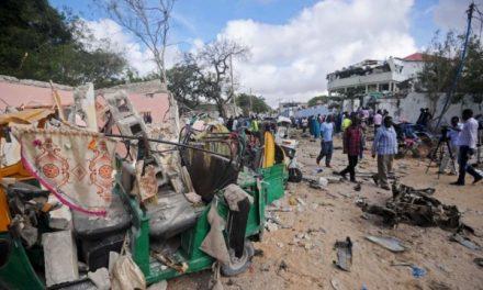 Së paku 17 të vrarë nga sulmi në një restorant në Somali
