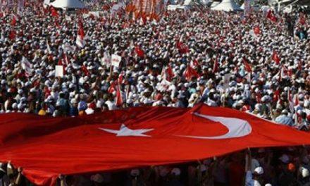 Turqia lëshon urdhërarreste për 72 profesorë sepse përdorën aplikacionin e Gulenit