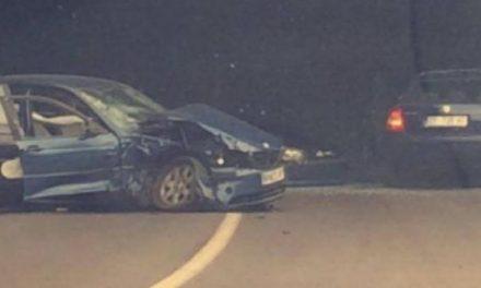 Një i vdekur e dy të lënduar në një aksident në rrugën Mitrovicë-Podujevë