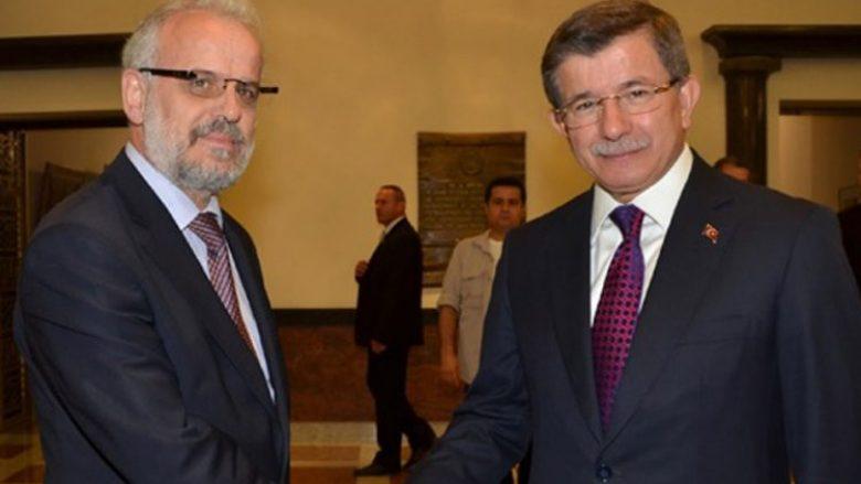 Xhaferi-Davutogllu: Mirëkuptim dhe miqësi mes dy vendeve