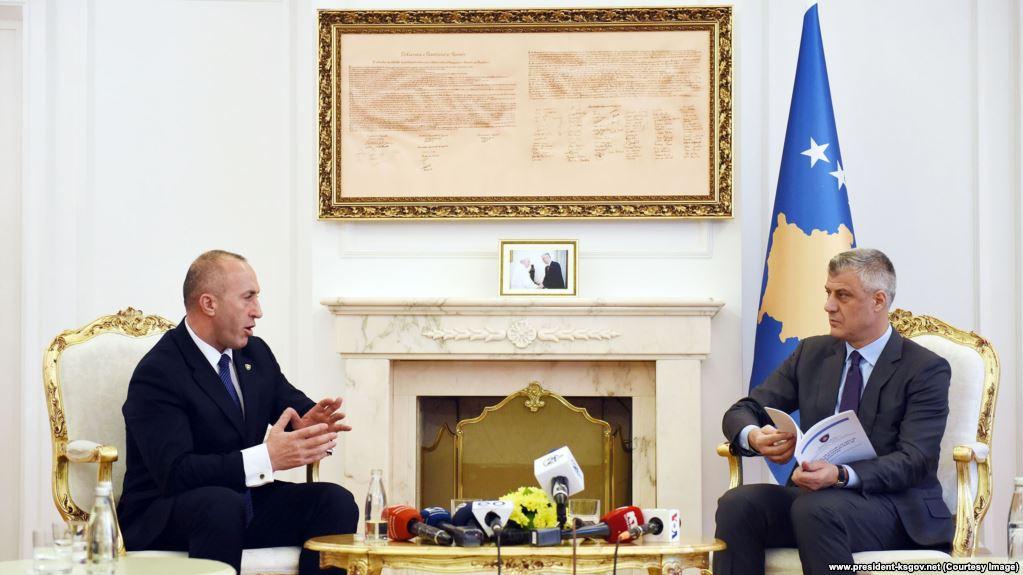 Thaçi e Haradinaj shtojnë konfuzionin rreth deportimit të shtetasve turq